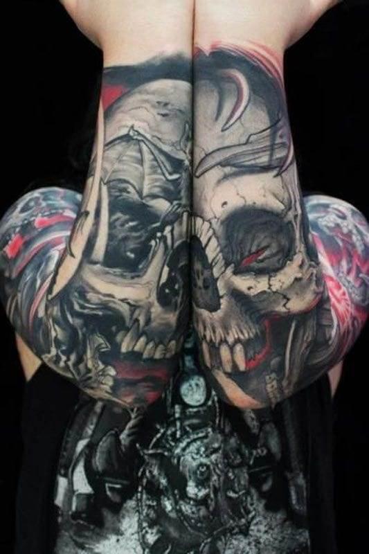 jaw dropping skull tattoo