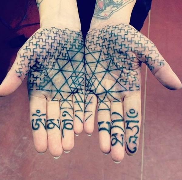 palm tattoos (14)