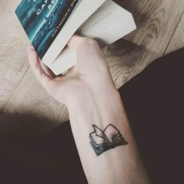 book-tattoos-ideas0691