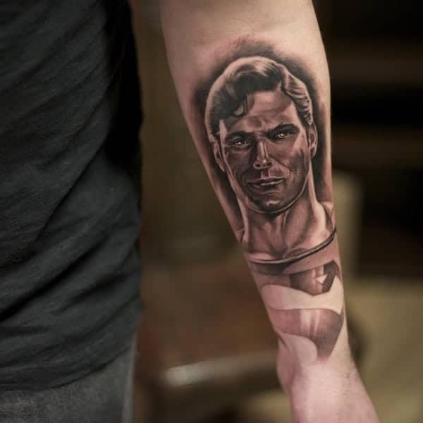 eye-catching-superhero-tattoos-designs0471