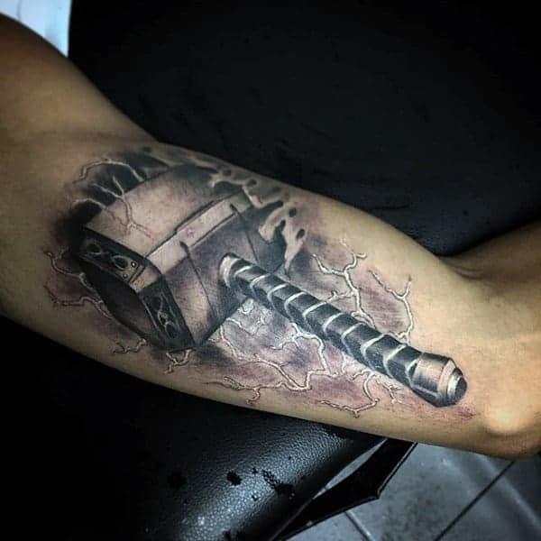 eye-catching-superhero-tattoos-designs0701