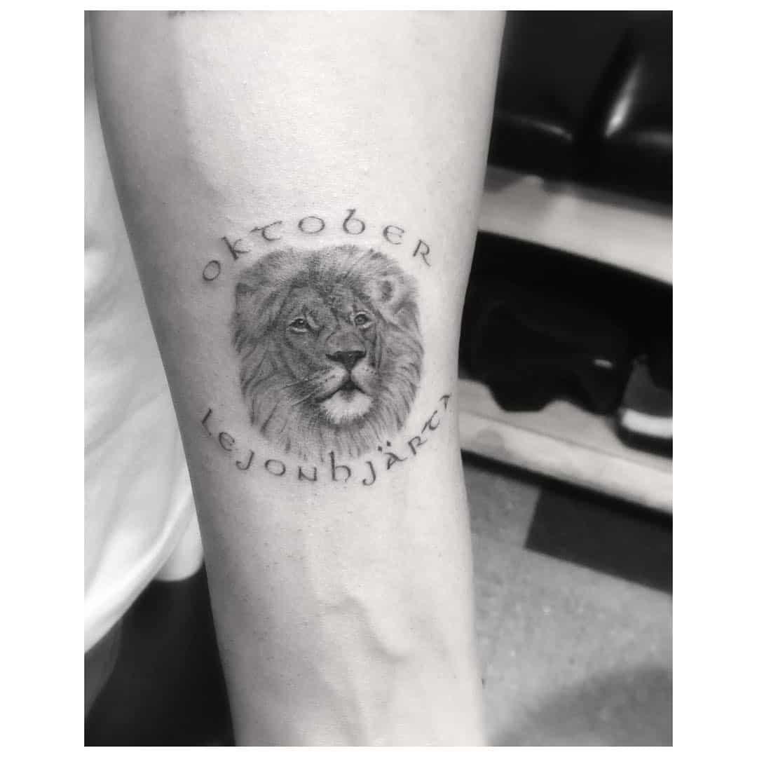 drake oktober lejonhjärta tattoo