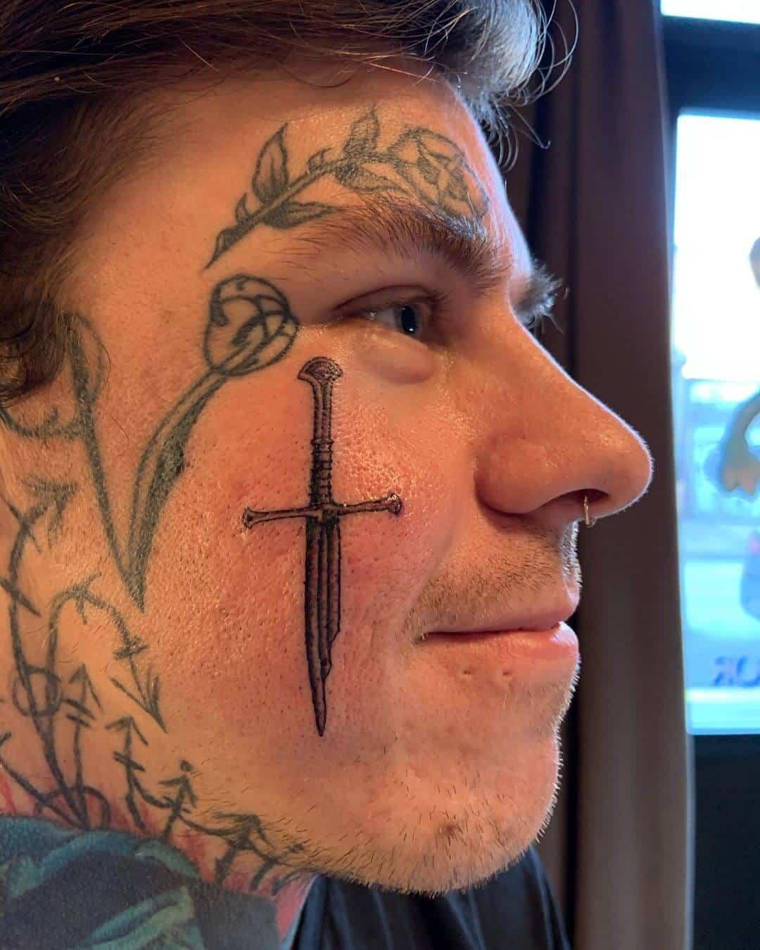 shayne smith arrows tattoo