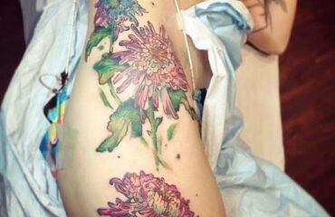 Creative Hip Tattoos Ideas