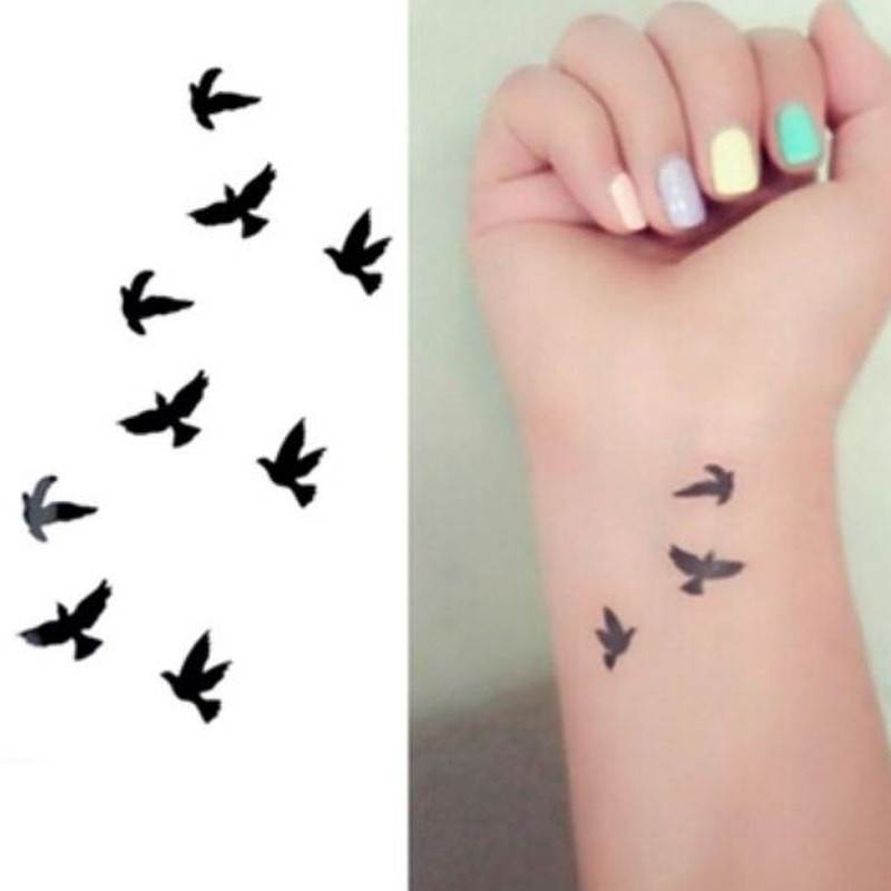 25 Cute Small Feminine Tattoos for Women - Tiny Meaningful Tattoos