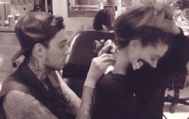 Ariana Grande tattoos – Romeo writes words of love on Ariana's neck