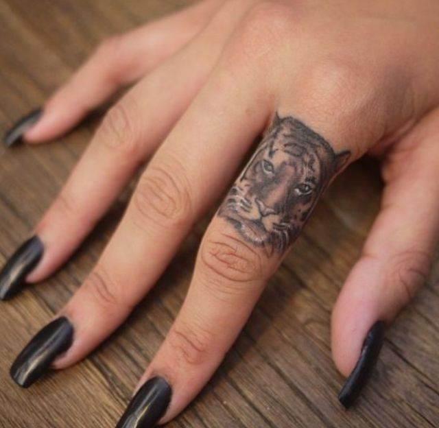 Edgy Finger Tattoo for Women